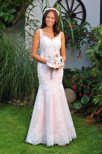 Svatební šaty 391