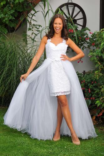 Svatební šaty 380