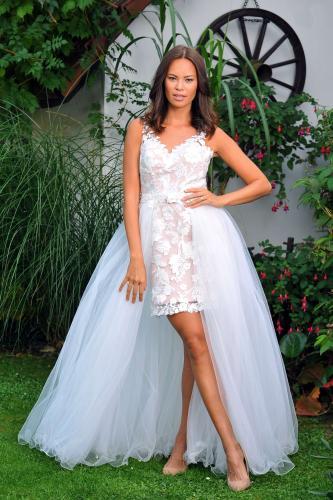 Svatební šaty 381