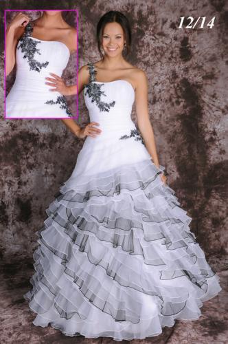 Svatební šaty - 34
